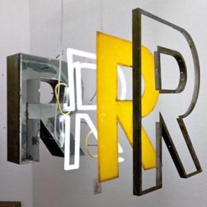 لایه های مختلف حروف در تابلو سازی دیبا